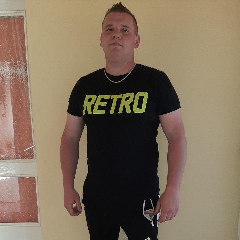 Robi, 26 éves társkereső férfi - Monok