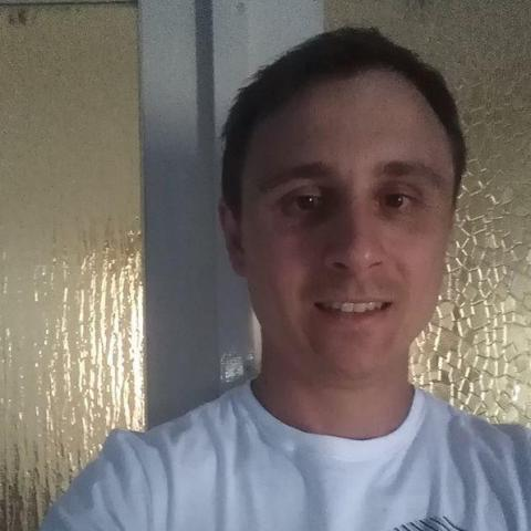 Krisztian, 34 éves társkereső férfi - Miskolc