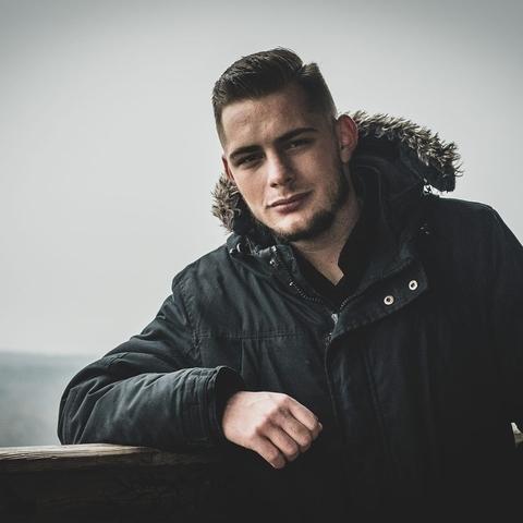Márkó, 19 éves társkereső férfi - Sopron