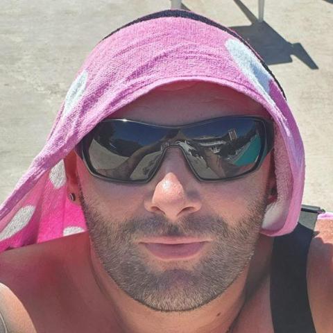 Karoly, 34 éves társkereső férfi - Nemesbikk