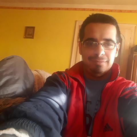 Dávid, 25 éves társkereső férfi - Kurd