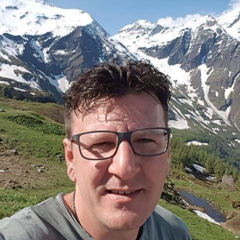 László, 45 éves társkereső férfi -