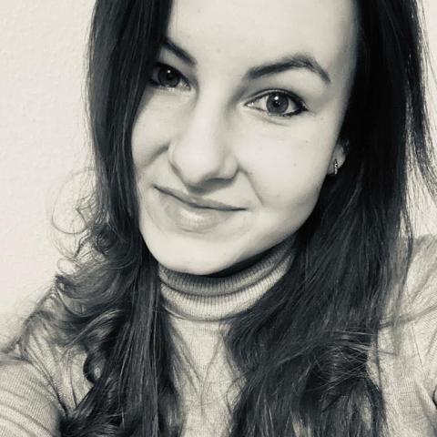 Dóra, 26 éves társkereső nő - Debrecen