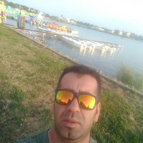 Robért, 33 éves társkereső férfi - Gyomaendrőd