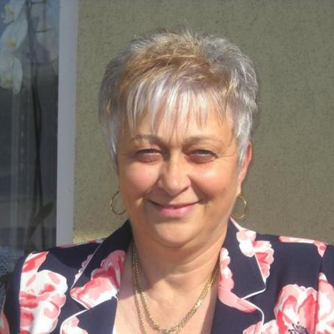 Márti, 58 éves társkereső nő - Sajólád