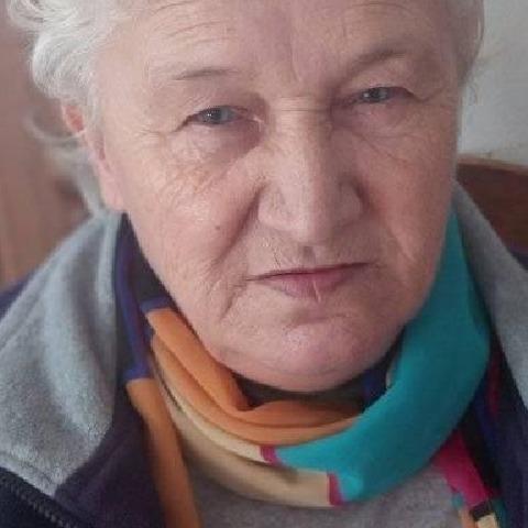 Irén, 71 éves társkereső nő - Dunaújváros