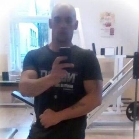 Péter, 32 éves társkereső férfi - Magyarbánhegyes