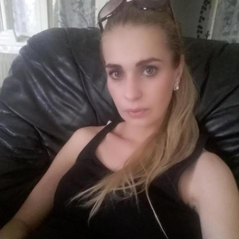 Csilla, 32 éves társkereső nő - Szarvas