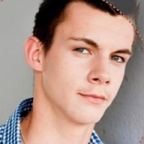 Márton, 22 éves társkereső férfi - Miskolc