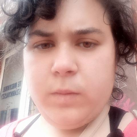Évi, 21 éves társkereső nő - Gödöllő