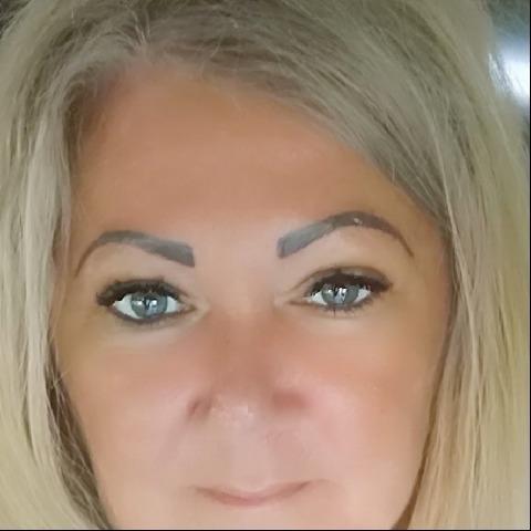 Szilvia, 48 éves társkereső nő - Dabas