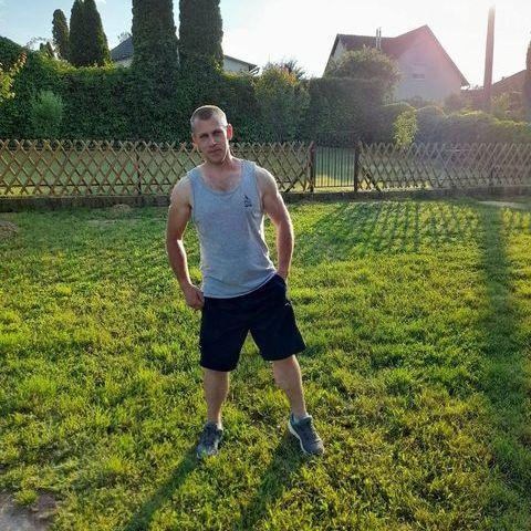 Zsolt, 29 éves társkereső férfi - Bag