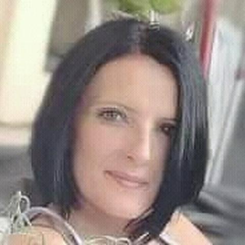 Noémi, 45 éves társkereső nő - Debrecen