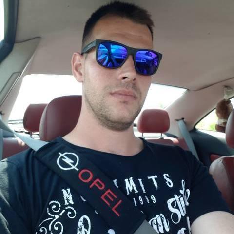 Dániel, 28 éves társkereső férfi - Jászladány