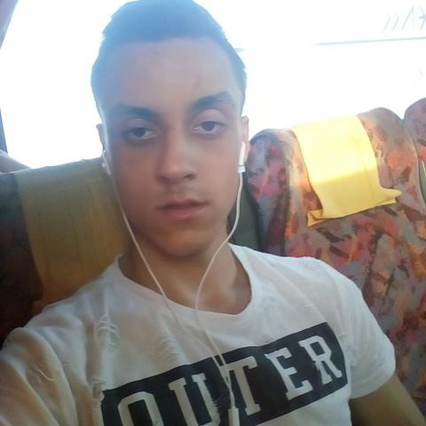Peti, 18 éves társkereső férfi - Győr