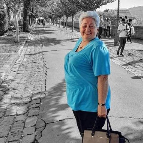 Kati, 69 éves társkereső nő - Martonvásár