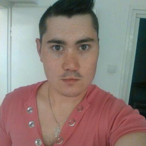 Adrián, 27 éves társkereső férfi - Bonyhád