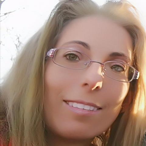Zsuzsanna, 39 éves társkereső nő - Miskolc