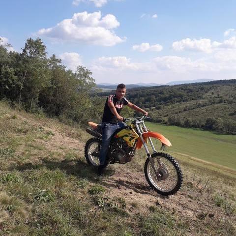 Zoltán, 16 éves társkereső férfi - Mátraterenye