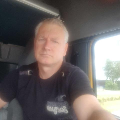 Bálint, 47 éves társkereső férfi -