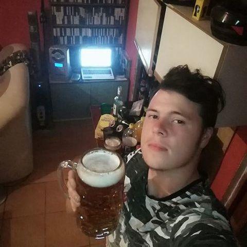 Gergő, 24 éves társkereső férfi - Bátaszék