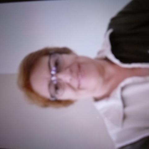 Karola, 61 éves társkereső nő - Nagykáta