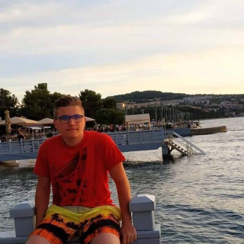Zalán, 18 éves társkereső férfi - Békéscsaba