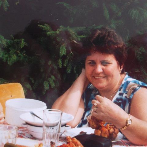 Anna, 69 éves társkereső nő - Debrecen