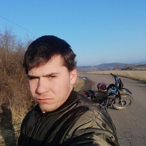 Zoltan, 23 éves társkereső férfi - Karancslapujtő
