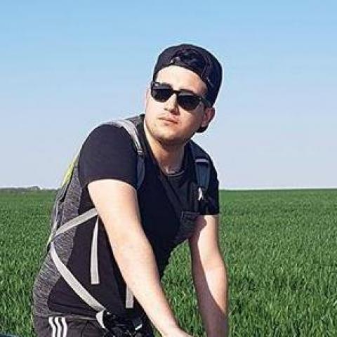 Zsolt, 27 éves társkereső férfi - Szemely
