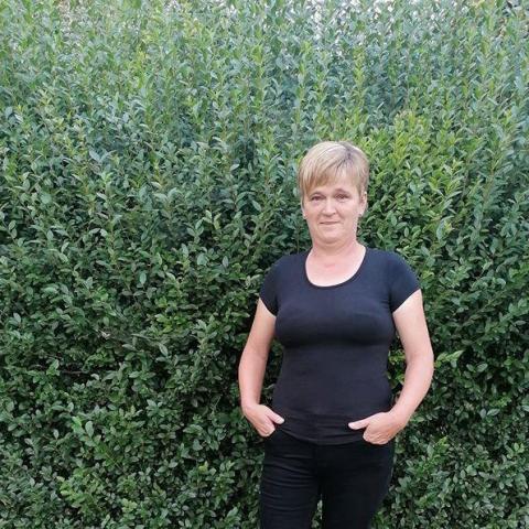 Julianna, 49 éves társkereső nő - Buj