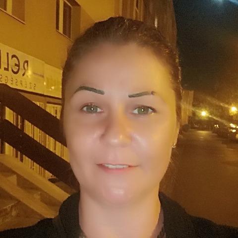 Renáta, 39 éves társkereső nő - Tiszaújváros