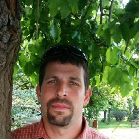 András, 38 éves társkereső férfi - őcsény