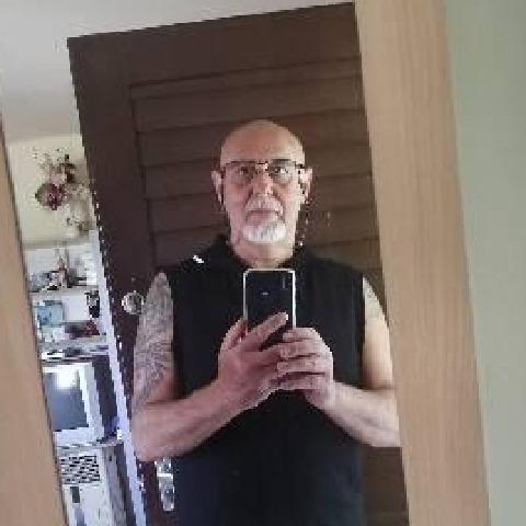 Alex, 60 éves társkereső férfi - Szeged