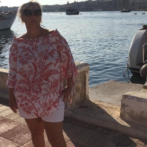 Andrea, 45 éves társkereső nő - Budaörs