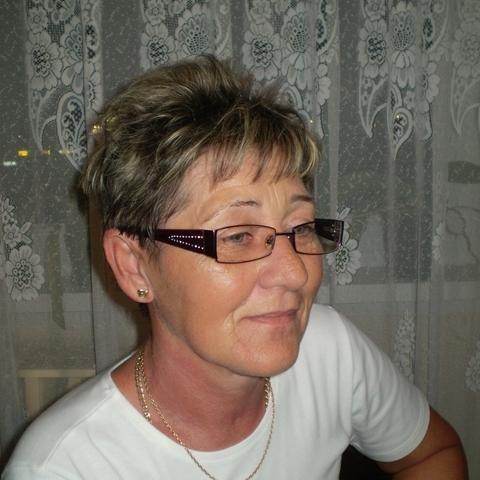 Éva, 61 éves társkereső nő - Székesfehérvár