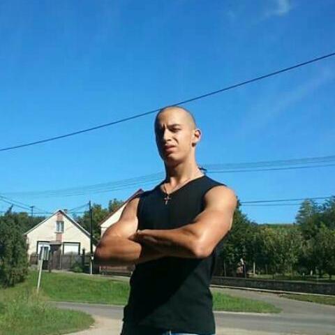 Balázs, 24 éves társkereső férfi - Szekszárd