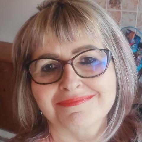 Magdolna, 52 éves társkereső nő - Dunaújváros