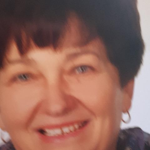Ilona, 66 éves társkereső nő - Kecskemét
