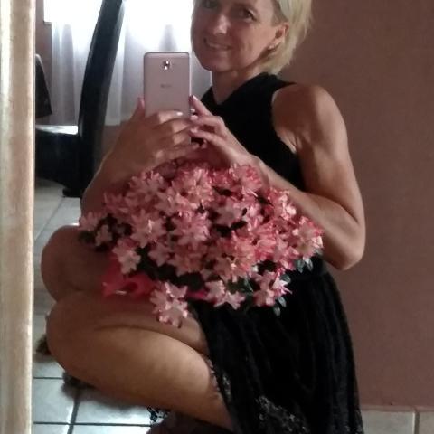 Anett, 47 éves társkereső nő - Győr
