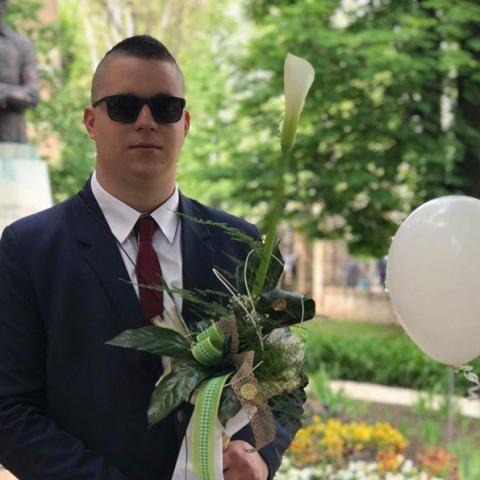 Alex, 22 éves társkereső férfi - Szeged