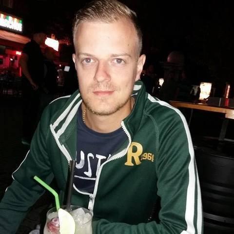 Attila , 30 éves társkereső férfi - Tiszaújváros