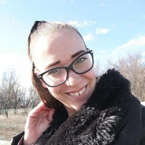 Noémi, 27 éves társkereső nő - Veszprém