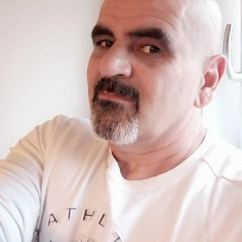 Krisztian, 52 éves társkereső férfi - Roermond