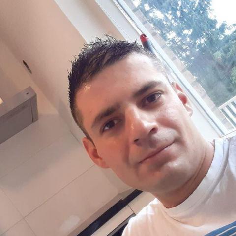 Péter, 32 éves társkereső férfi - Miskolc