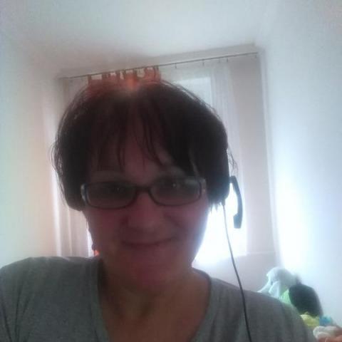 Vicuska, 60 éves társkereső nő - Miskolc
