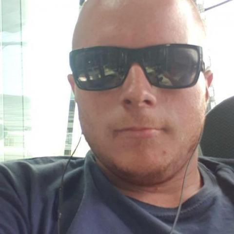 Márk, 25 éves társkereső férfi - Lábatlan