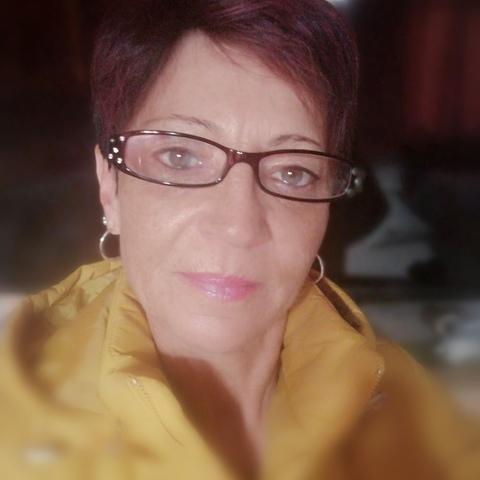 Móni , 50 éves társkereső nő - Veszprém