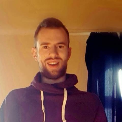Kristóf , 25 éves társkereső férfi - Zalaegerszeg