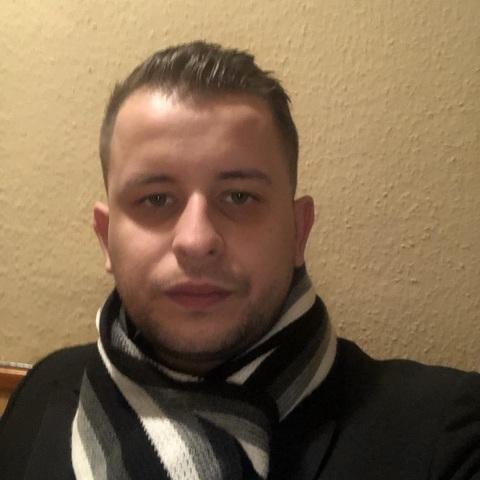 Dávid, 28 éves társkereső férfi - Budapest